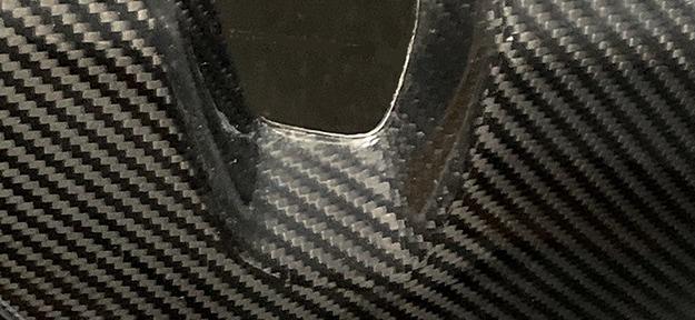 Lackierte Lehnenschale aus Carbon Composite